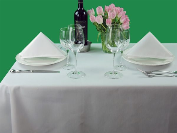 Milliken Signature Plus Polyester Square White Tablecloths (Set of 6) 72in (182.9cm)